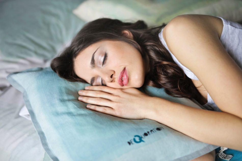 睡眠で成長ホルモンを!ダイエットにも女性ホルモンにもイイ